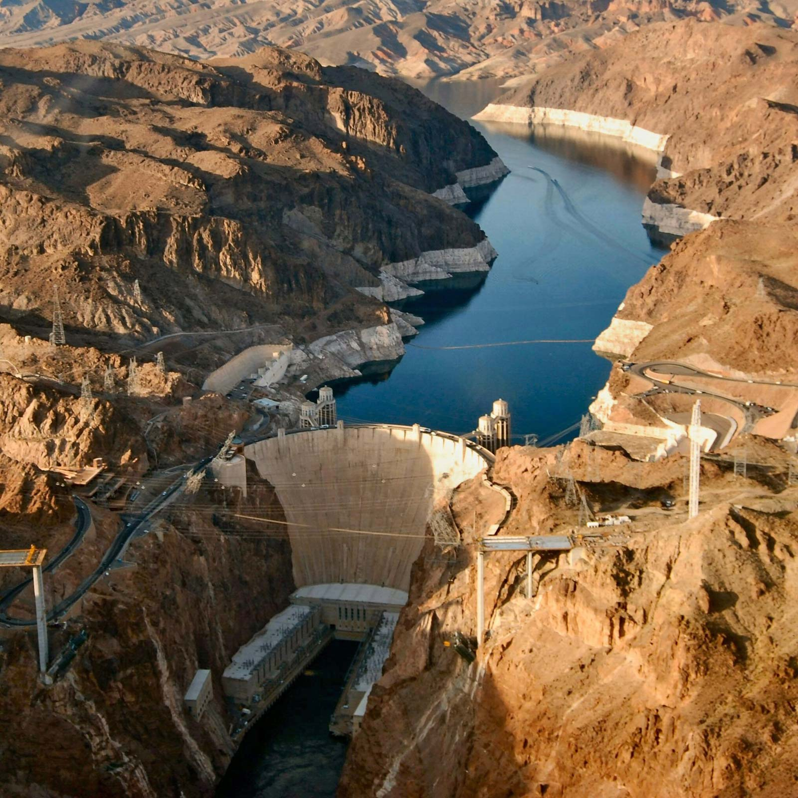 Hoover-Dam-border-Colorado-River-Arizona-Nevada.jpg